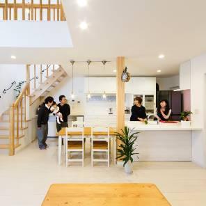 軽井沢町の注文住宅のリビング2