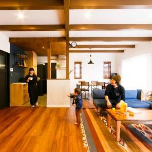 御代田町の注文住宅のリビング
